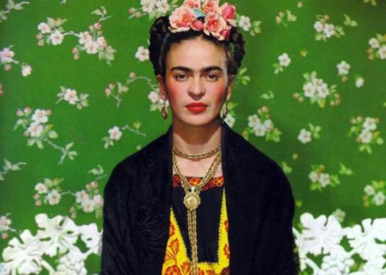 Frida-Kahlo-Wardrobe-in-La-Casa-Azul